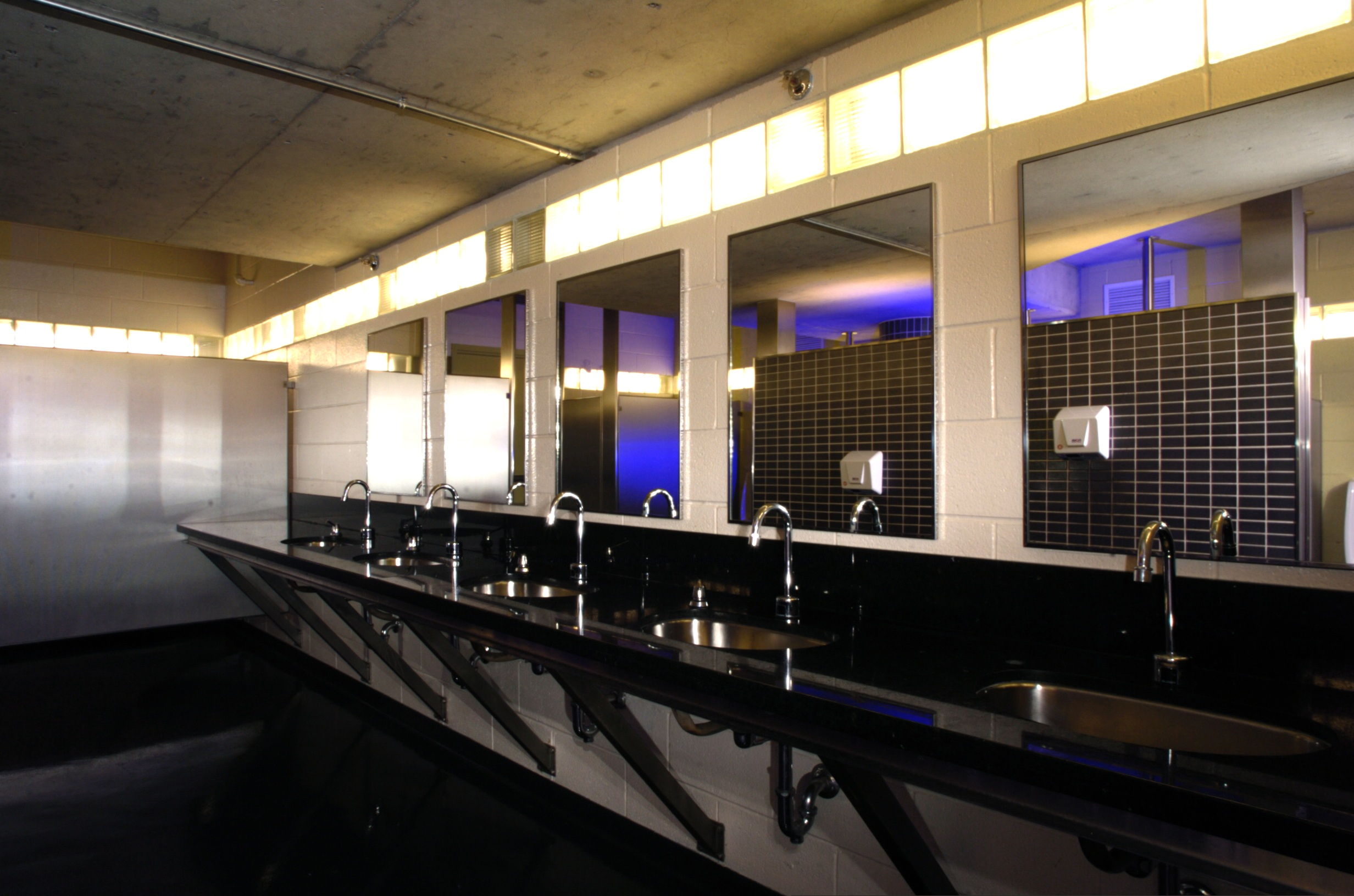 These washrooms look like they 39 re right out of a 5 star hotel of the. Images Of Washrooms